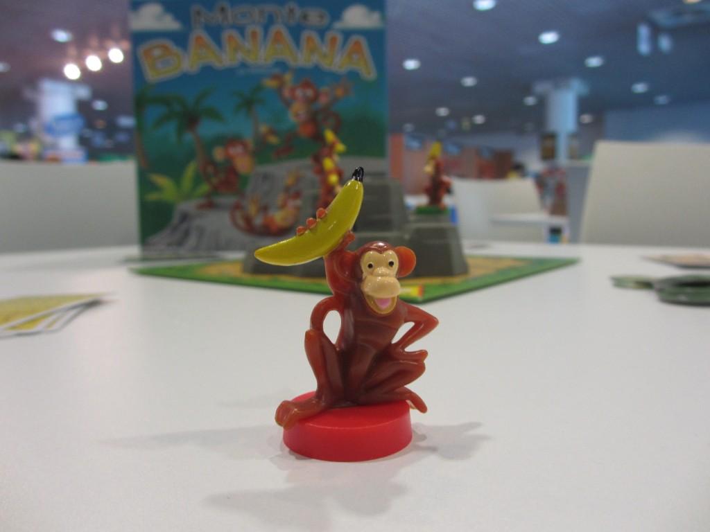singe monte banana-+